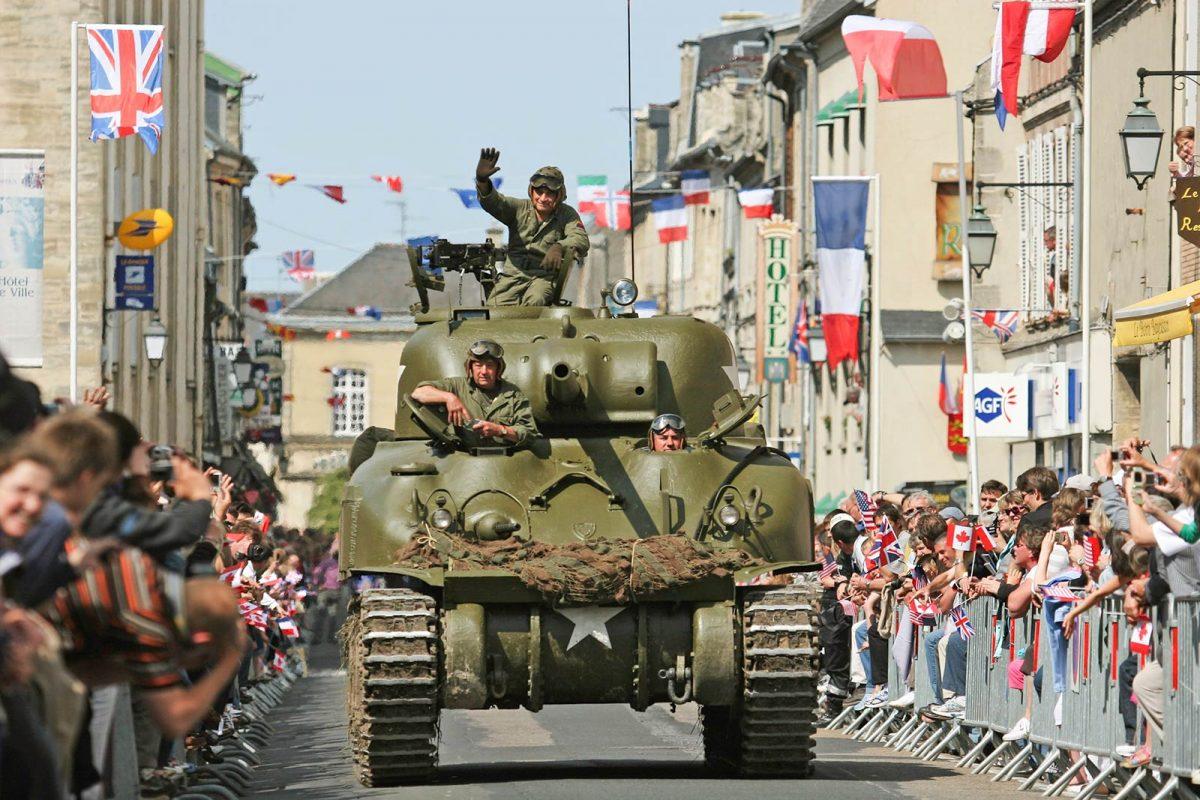 Défilé véhicules militaires - D-Day Festival
