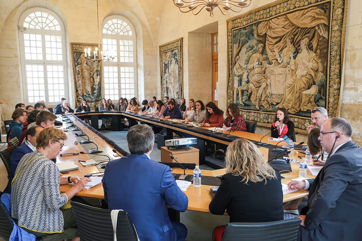 Salle de débat lors du Forum Mondial Normandie Pour la Paix