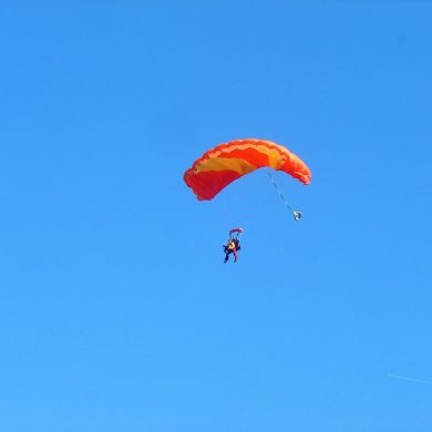 The best skydiving experiences in Normandy