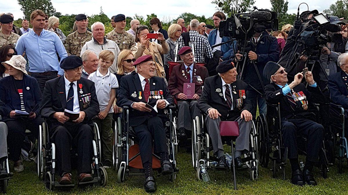 Vétérans à la cérémonie au musée Pegasus Bridge à Bénouville - D-Day