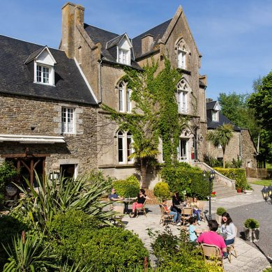 A magical stay in an old stone manor overlooking the Mont-Saint-Michel