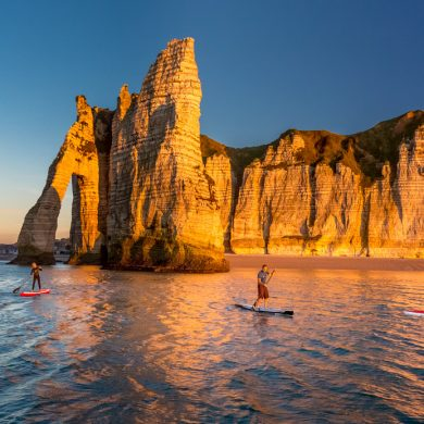 Stand-up paddle boarding in Etretat