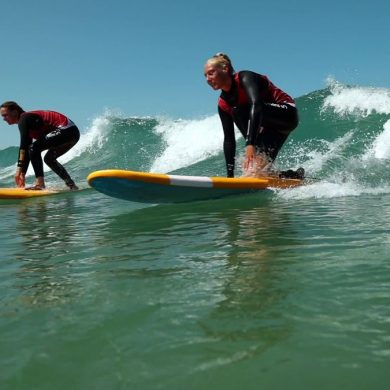Surf lessons in Siouville
