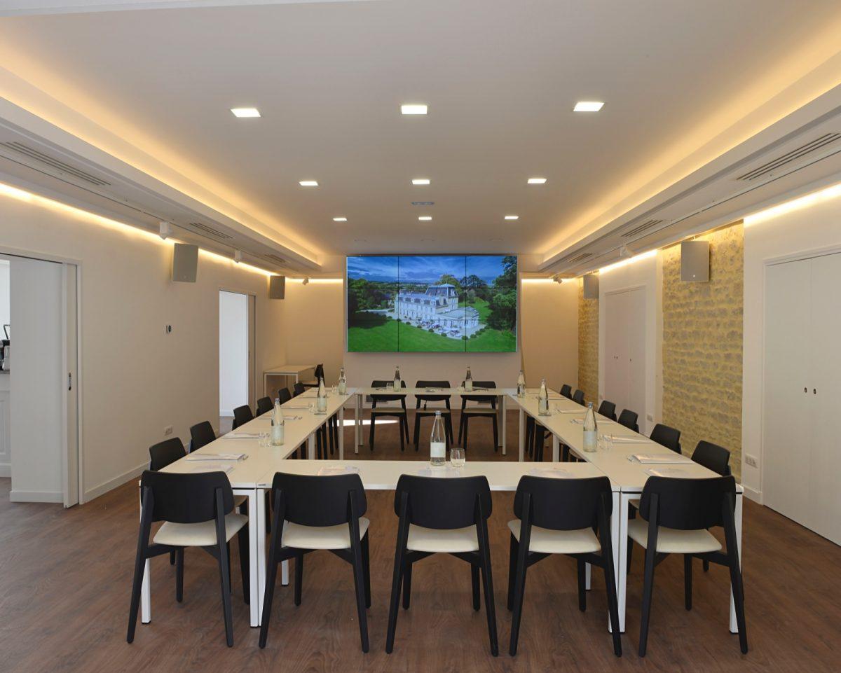 Seminar room at the Château de la Chenevière