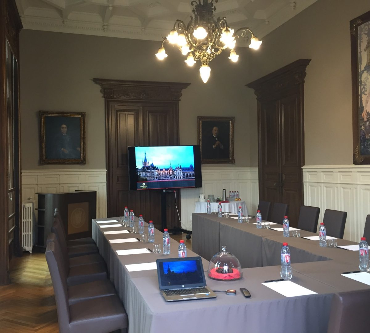 Private seminar room at the Palais Bénédictine