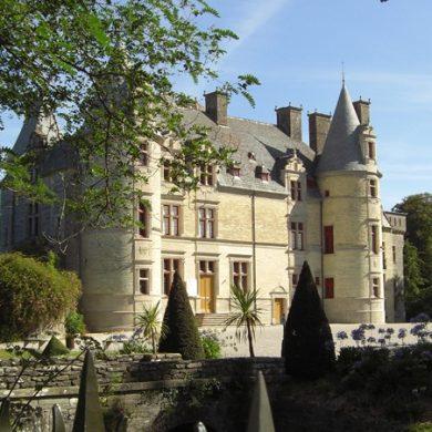 Parc and Château des Ravalet