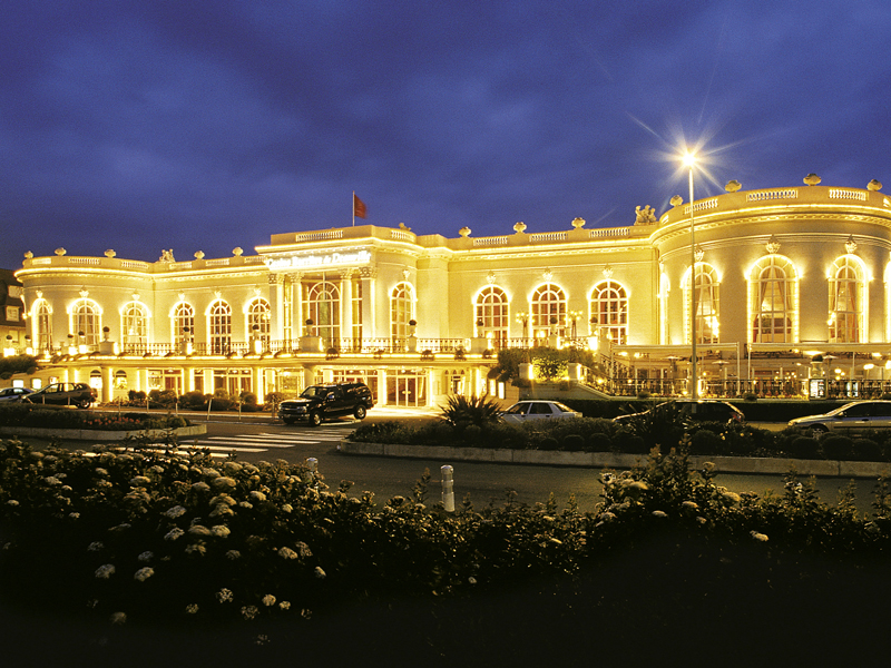 Barriere deauville casino igt red white blue